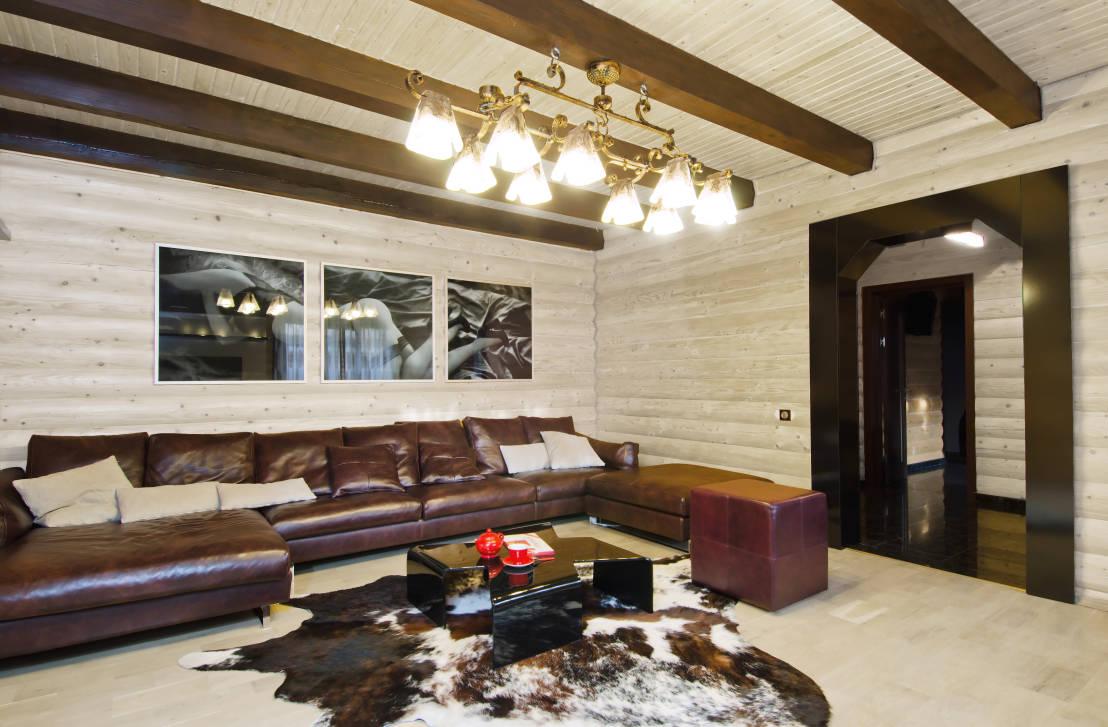 Дизайн интерьера в срубовом доме фото